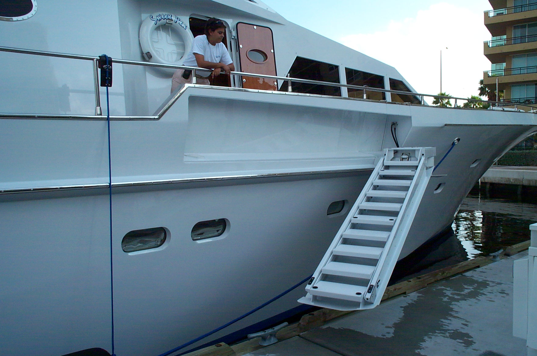 Hydraulic Ship-Side Boarding Stairs